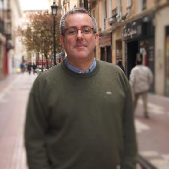 Contacta con Fernando Villarroya